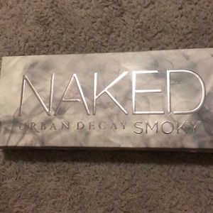 NAKED urban decay smoky eyeshadow pallet